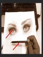 30 yaşındaki bir erkeğin kişiye özel hediye amaçlı çizilmiş kara kalem portresi.Yılbaşı hediyesi karakalem portre çalışmasıdır.Beğenilen örnek çalışmalardandır.mehmet emin doğan çizim videoları